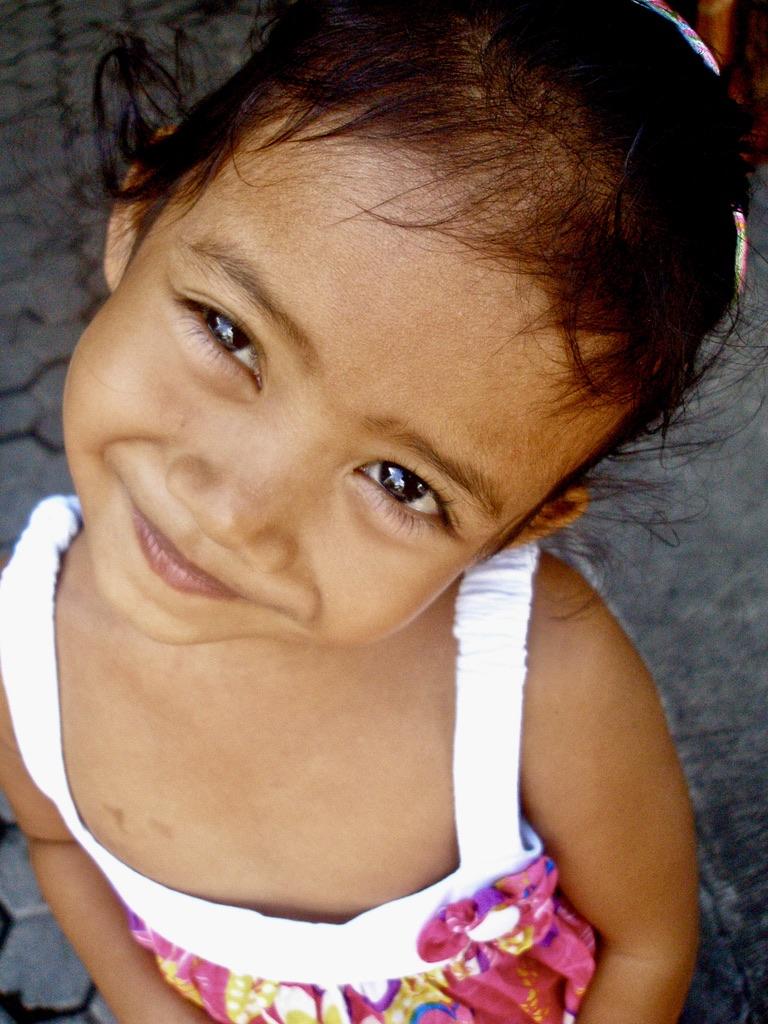 photo petite balinaise young balinese girl